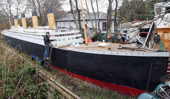 Birebir boyutta Titanik Maketi (İki Bacası Eksik)