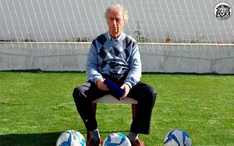 """Ayvalıkgücü İle Sözleşmesini Bir Yıl Daha Uzatan Ahmet Yeşil (76): """"Son nefesimi yeşil sahalarda vermek istiyorum..."""""""