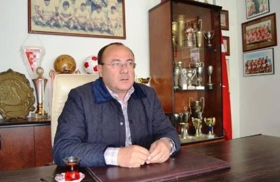 """Ayvalıkgücü Kulüp Başkanı Hamdi Artuç : """"Bazen Takımın Tamamını Satıp Akıllı Telefon mu Alsam Diyorum..."""""""