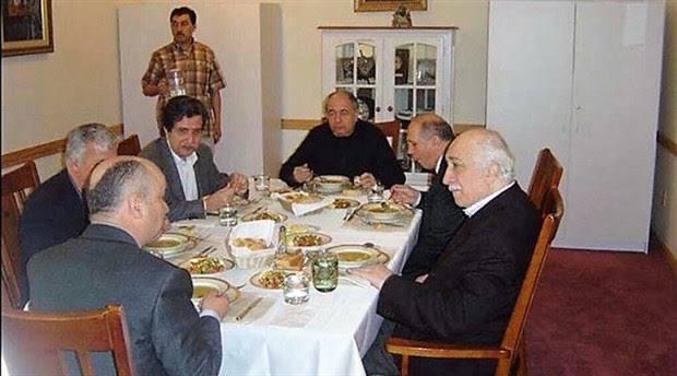 """AKP'de bir tane bile ByLock'çu vekil yoktur diyen Burhan Kuzu ekledi: """"Yüz yüze iletişim candır."""""""