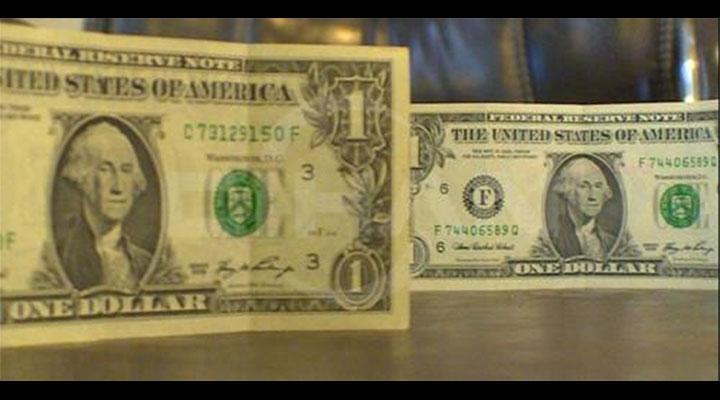 Acil! Okunmuş 1 Dolar Satılıktır (Üstelik F Serisi)