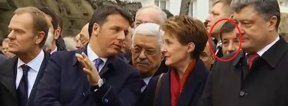 Paris'teki büyük yürüyüşte Türkiye, Davutoğlu düzeyinde temsil edildi.