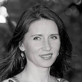 Mihaela Stoops