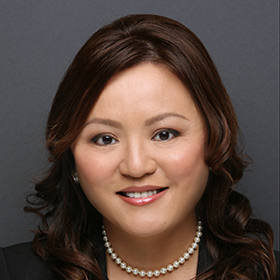 Maggie L Huang