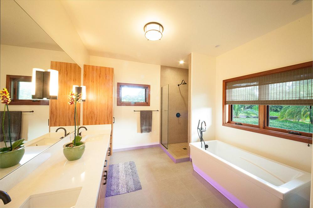 604179 bathroom 1 web