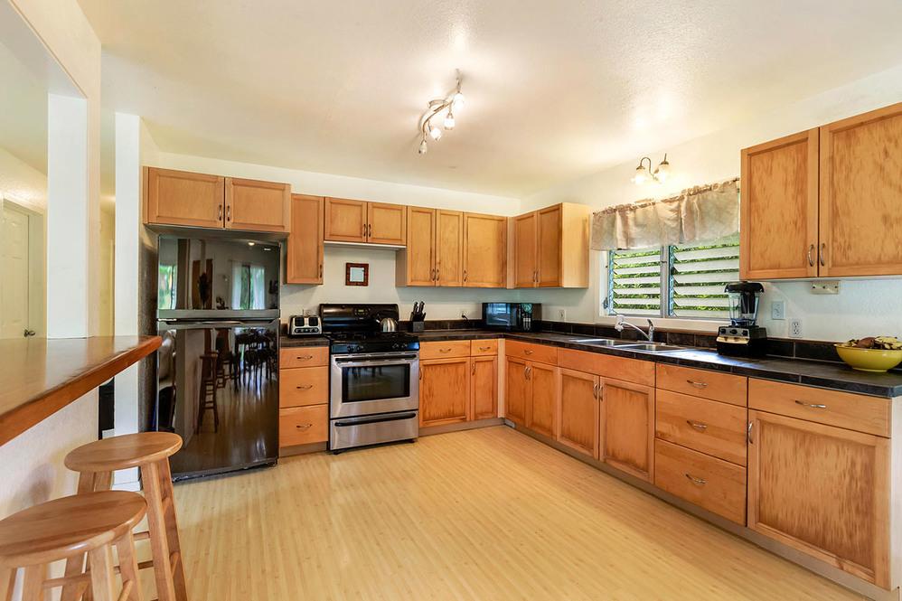 608325 7497 kuhio hwy hanalei hi large 007 5 kitchen 1500x1000 72dpi web
