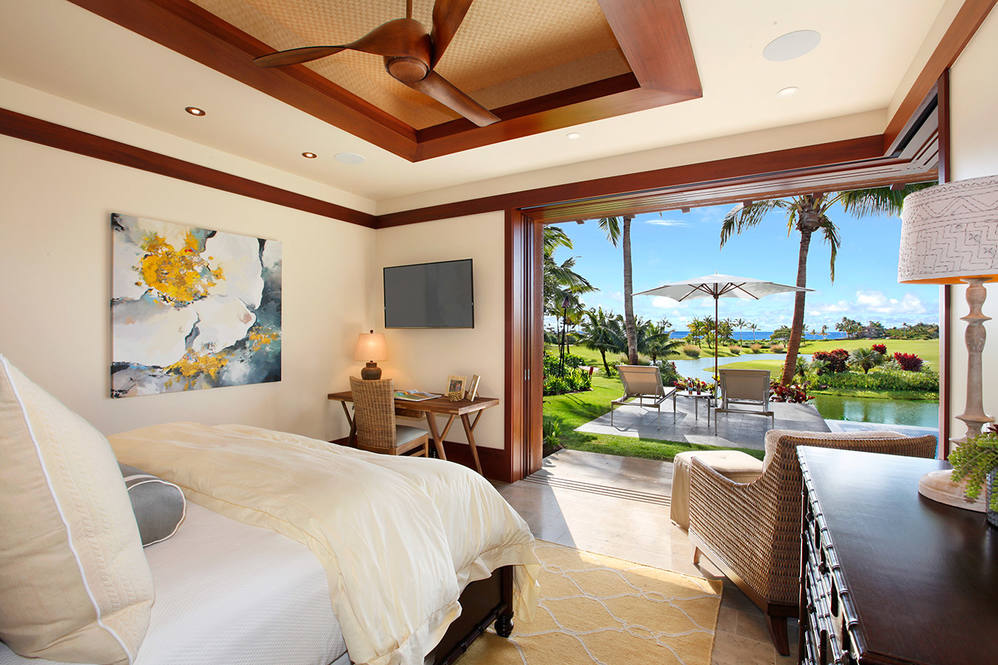 7. kukui1ula club villa master bedroom.gregory blore