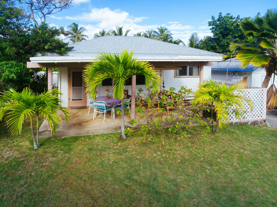 11. detached beach cottage 86 s. kalaheo avenue