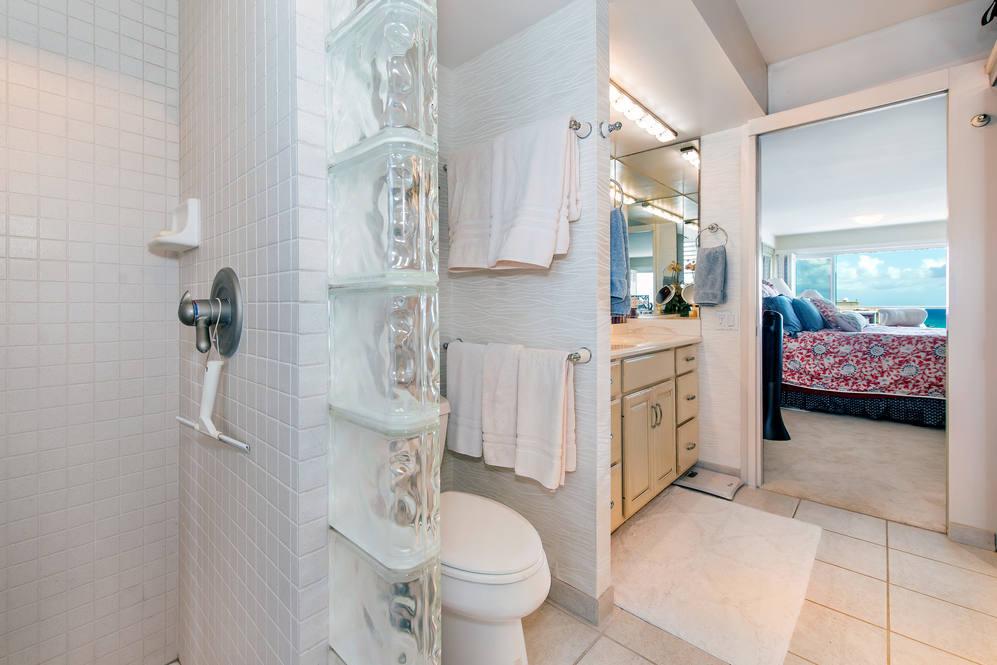 05. remodeled master bath 2895 kalakaua ave  1205 1206