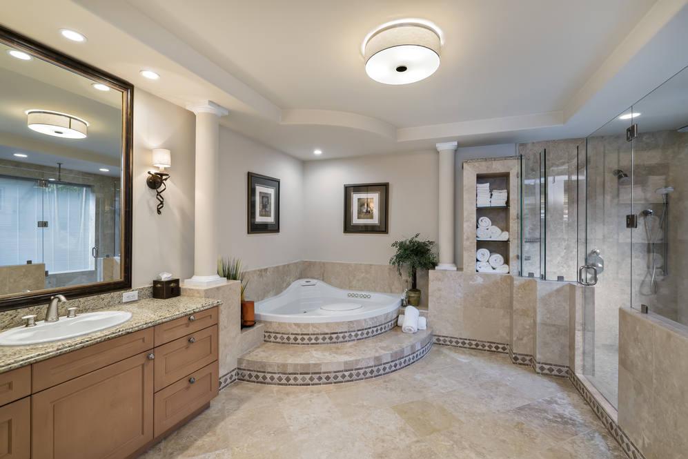 13.  master bath with shower   tub 4551 aukai avenue