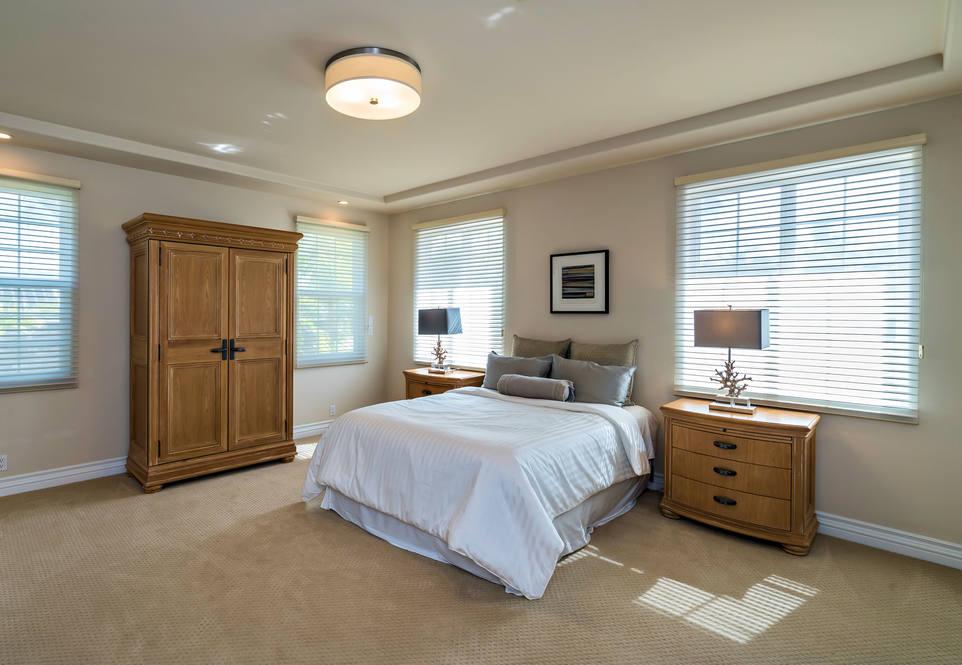 17.  upper guest bedroom ensuite 4551 aukai avenue