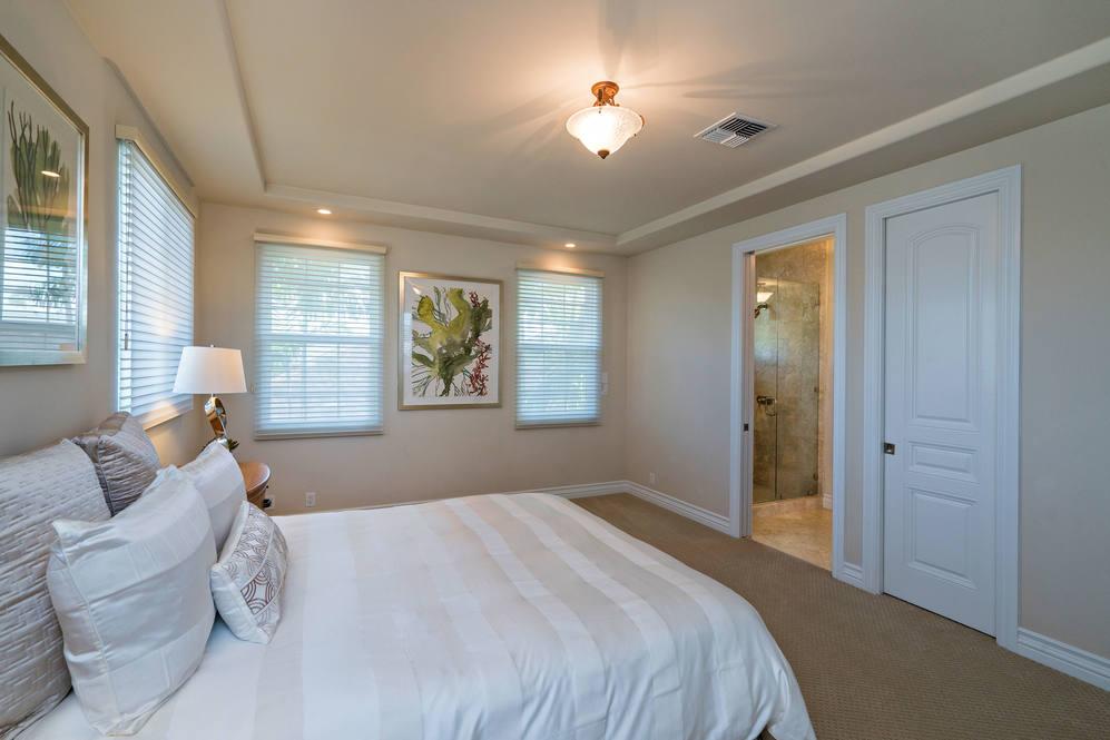 19.  upper guest bedroom 4551 aukai avenue