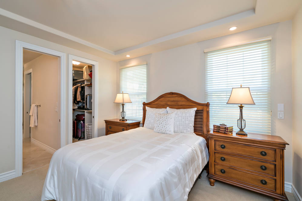 21.  upper guest bedroom 4551 aukai avenue