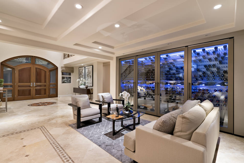 27.  living room to foyer 4551 aukai avenue