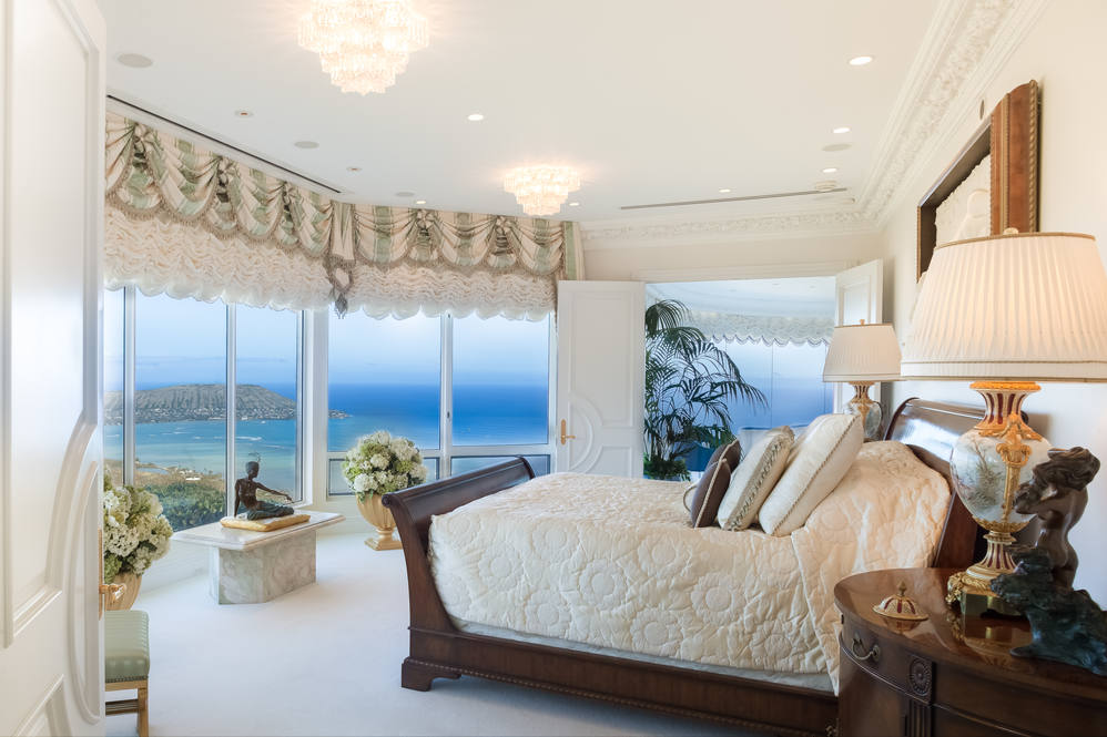 14. master suite oceanview 828 moaniala street