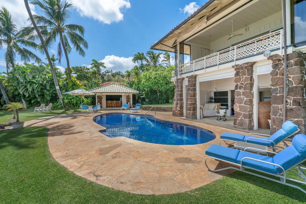 15 pool to guest quarters   cabana 215 kulamanu pl