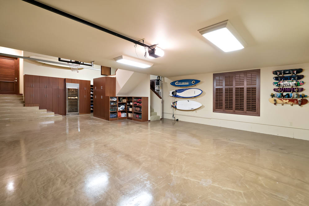 22. 3 car garage 4308 kahala avenue