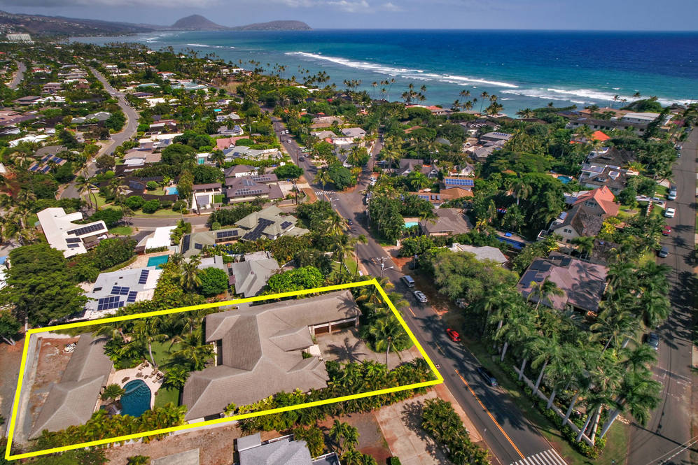 25. aerial of house to ocean   kokohd 4308 kahala avenue