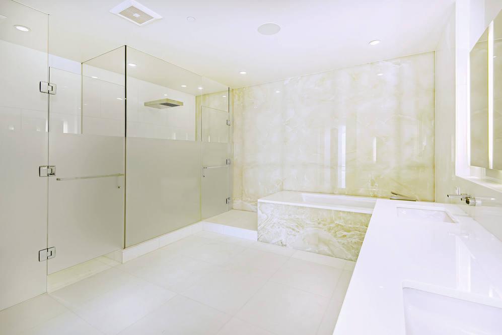 10. master bath shower 1118 ala moana blvd  17a