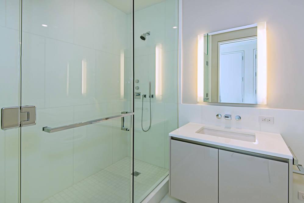 14. bath  2 shower 1118 ala moana blvd  17a