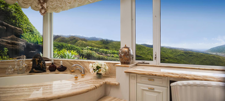 18. master bath jacuzzi tub 828 moaniala street