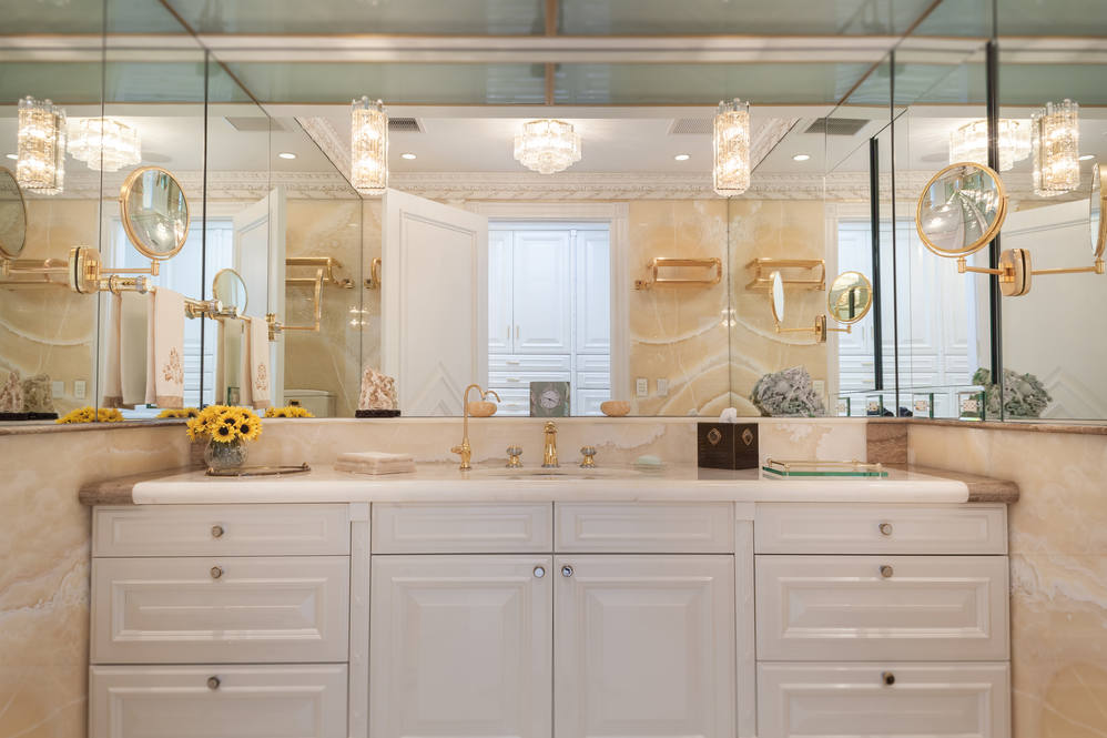 19. master bath his   her bathrooms 828 moaniala street