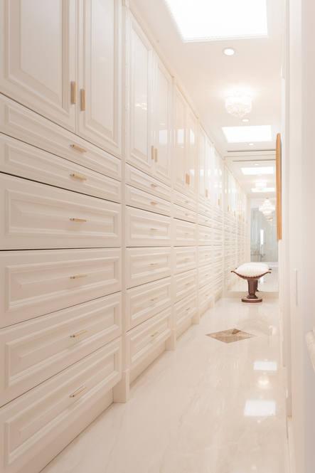20. master suite walk in closet 828 moaniala street