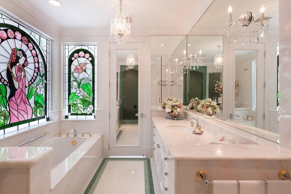 25. guest bath 828 moaniala street