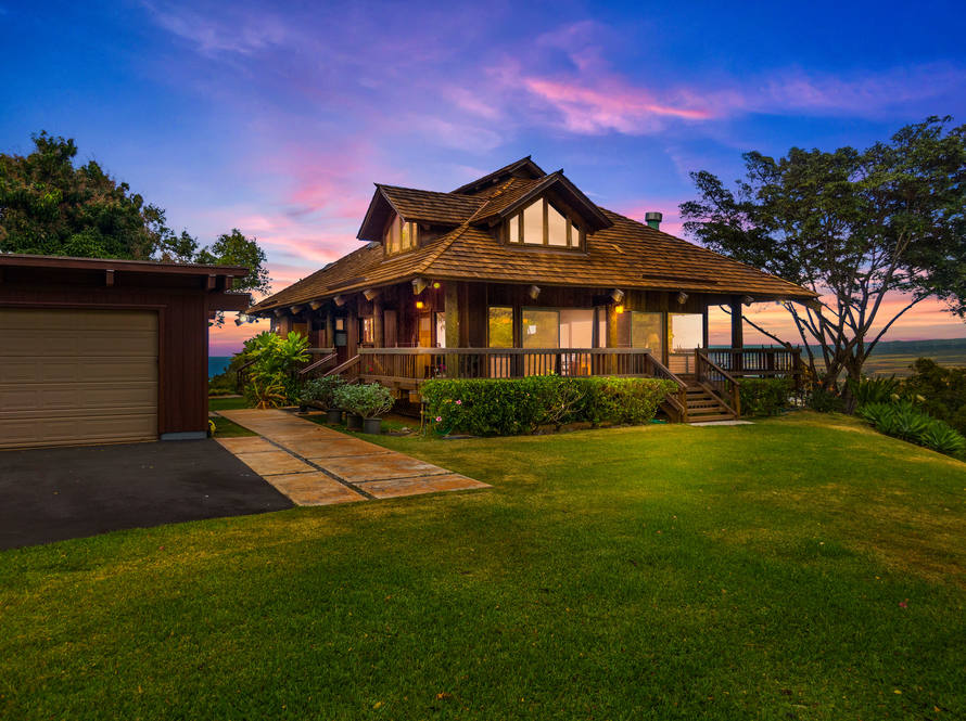 12. sunset front of house 67 290 farrington hwy