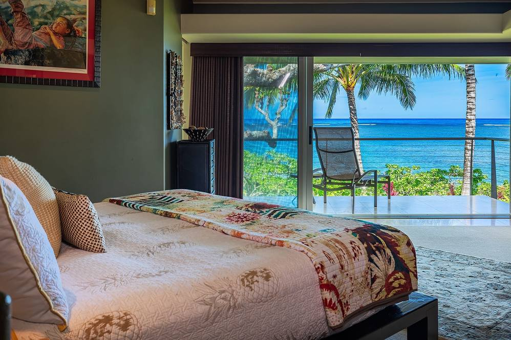 09 master bedroom 045