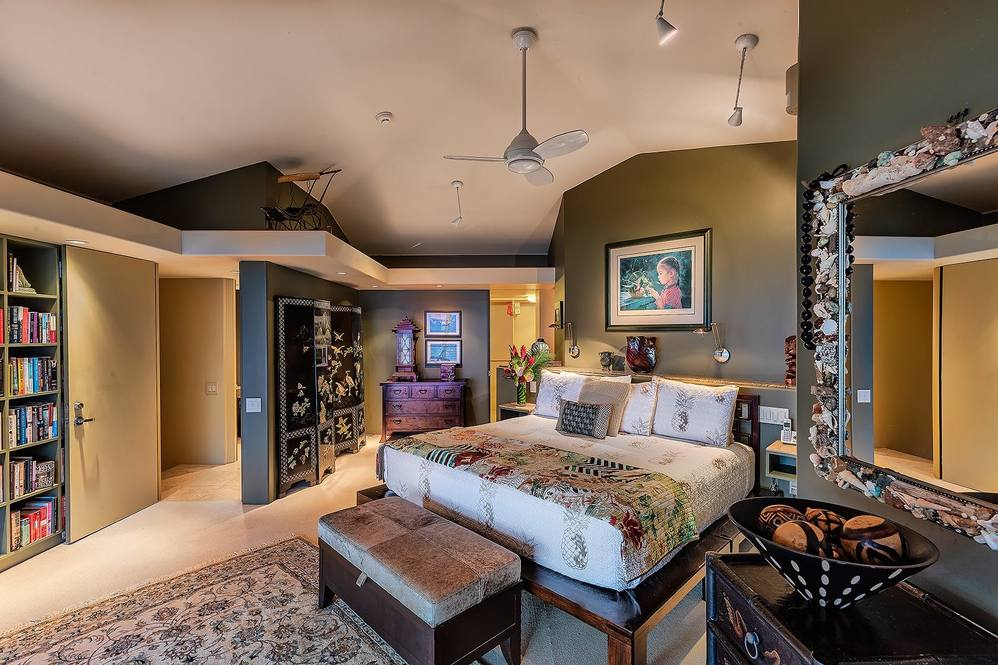 11 master bedroom 049