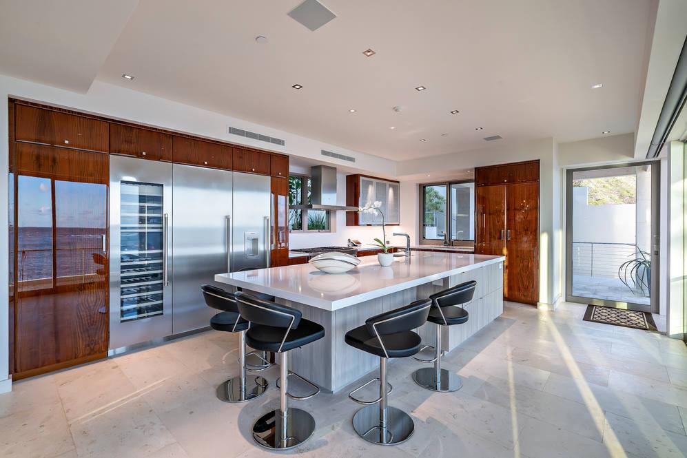 03. kitchen 3311 beach rd