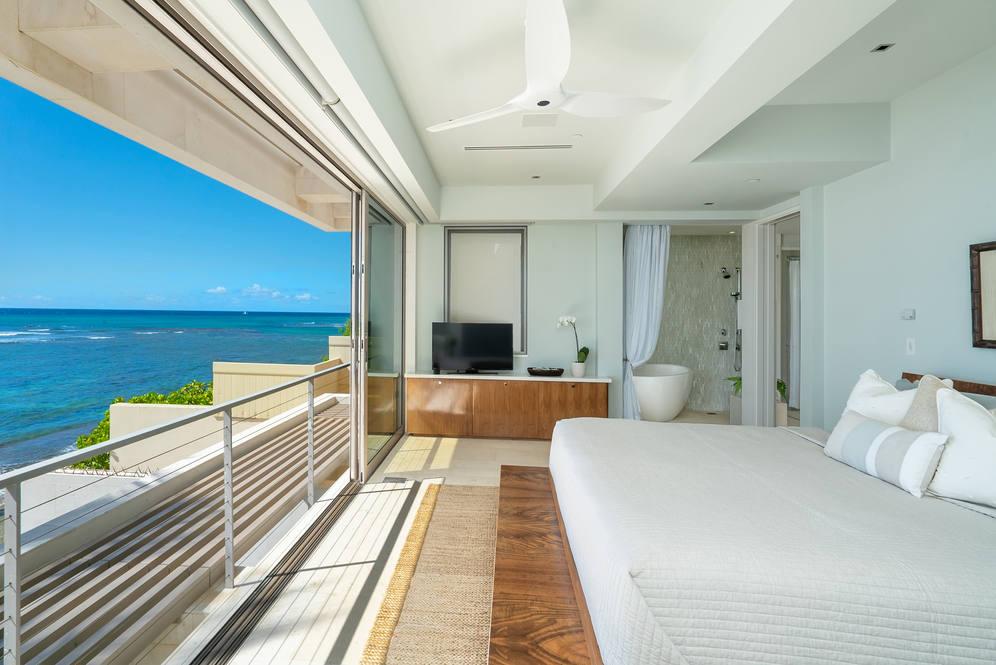 08. master suite 3311 beach rd