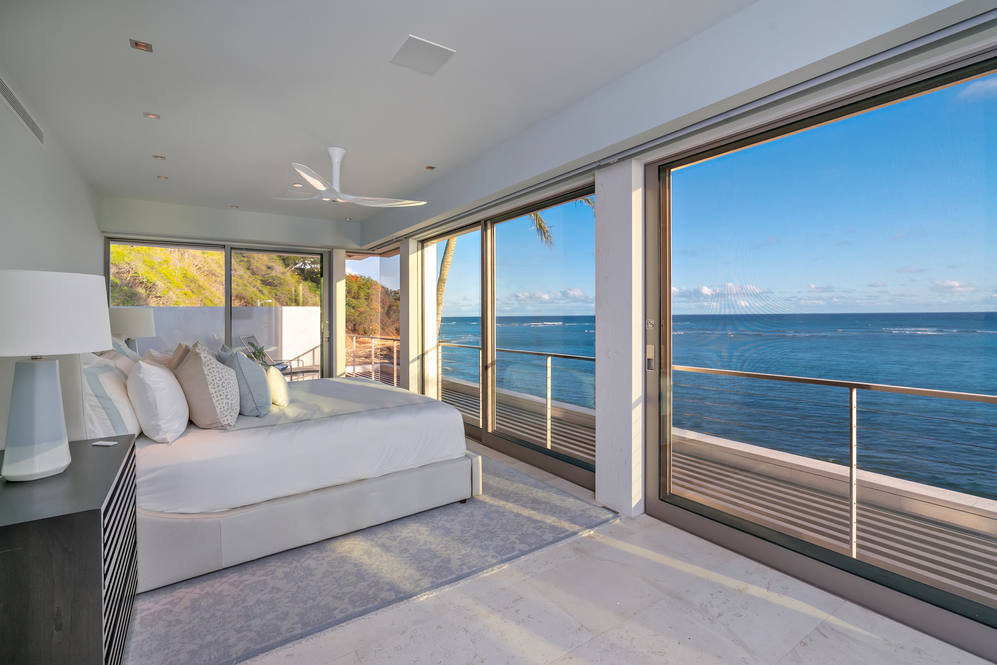 12. upstairs guest suite oceanview 3311 beach rd