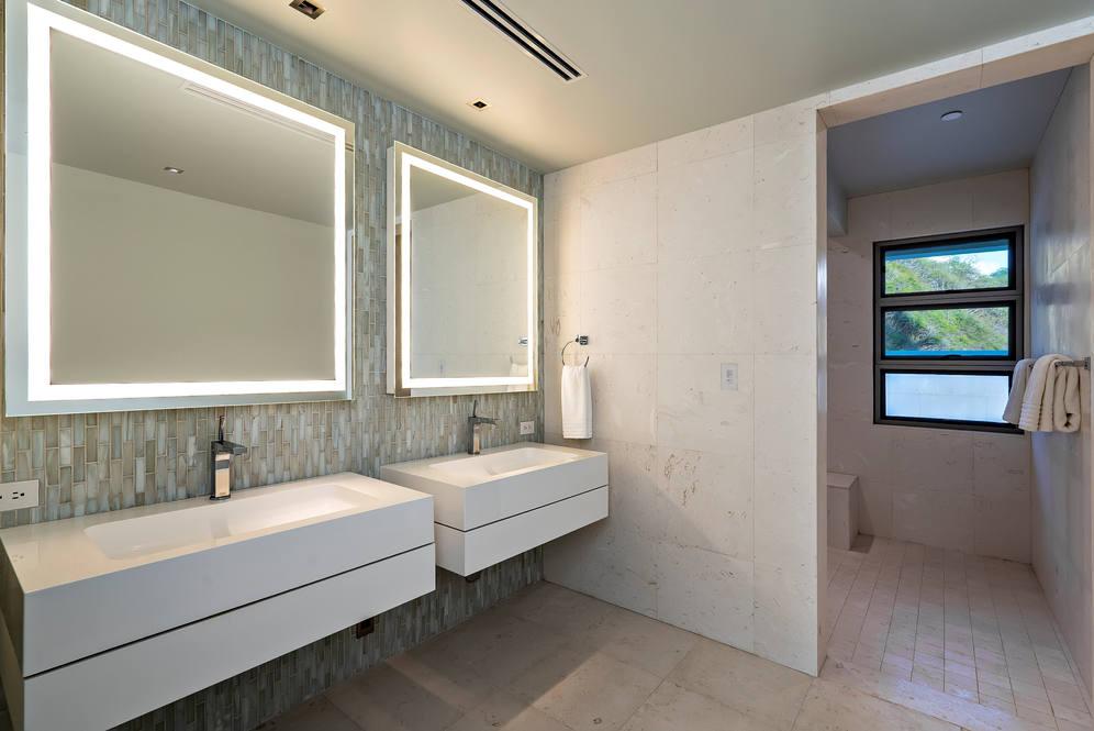 14. upstairs guest bath 3311 beach rd