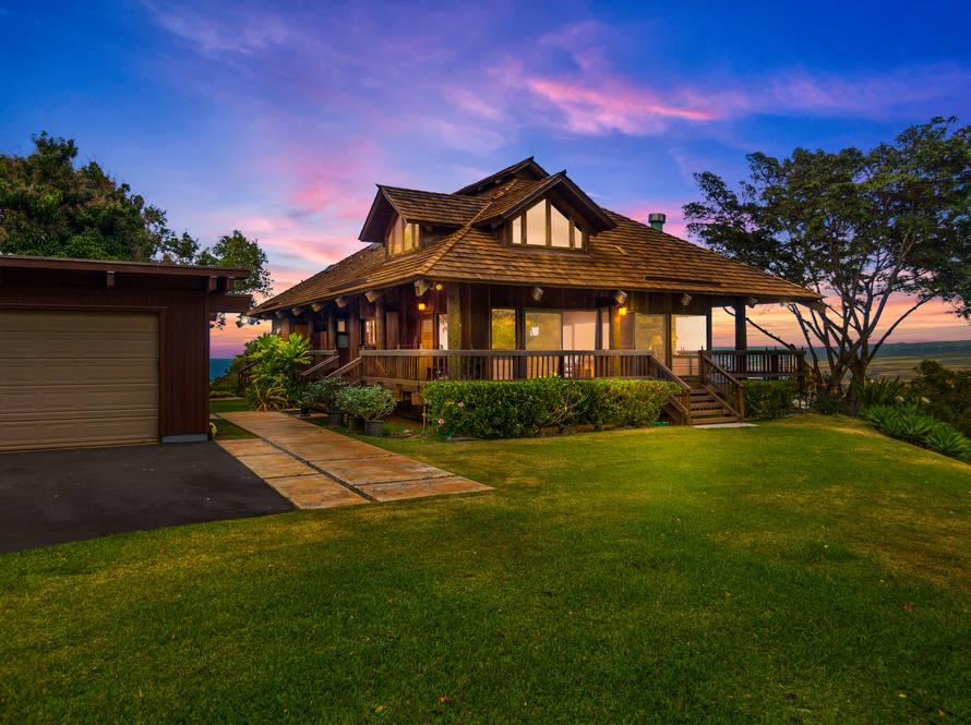 17. sunset front of house 67 290 farrington hwy