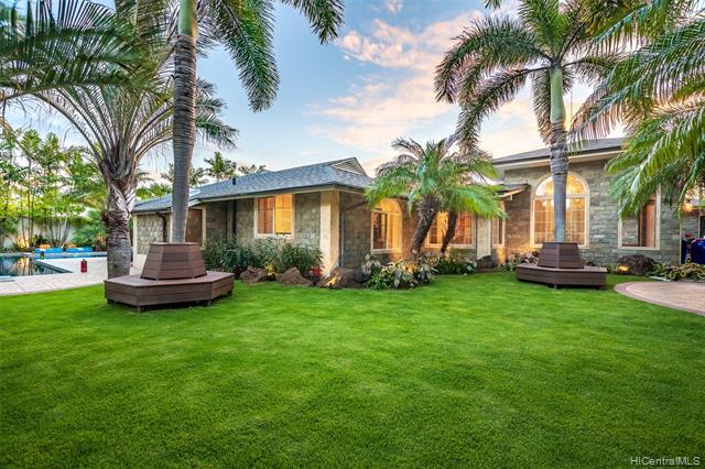 Single Family Home for Sale at 5763 Kalanianaole Highway, Honolulu, HI, 96821 Honolulu, Hawaii,96821 United States