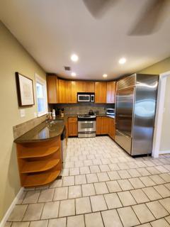 Photo - Kitchen