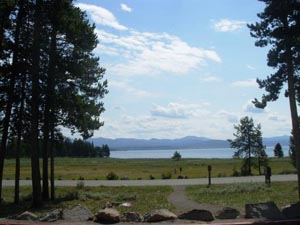 Yellowstone lake lodge cabins