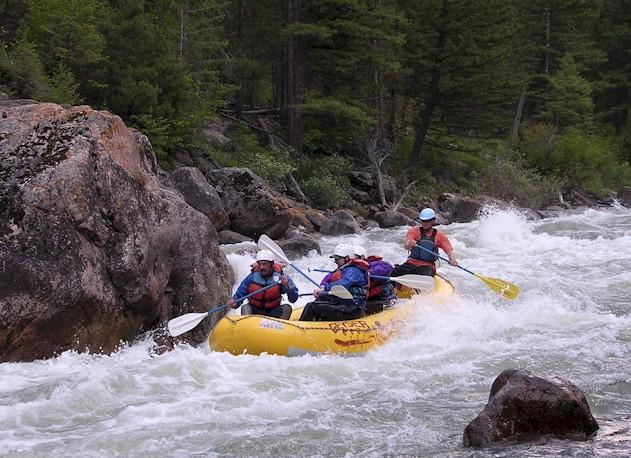 rafting in yellowstone