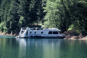 Houseboatin on Lake Don Pedro