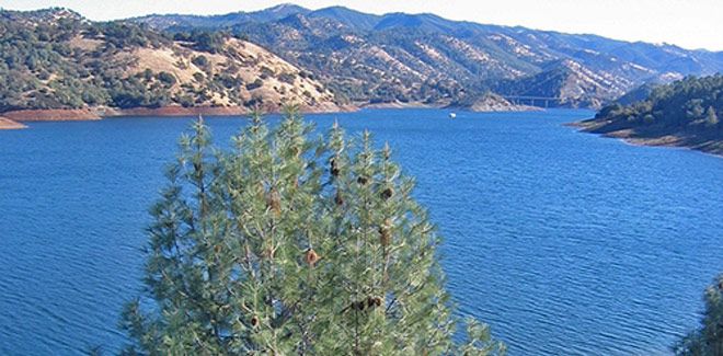 Houseboat Lake Don Pedro, CA