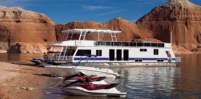 Houseboat Fleet at Lake Powell