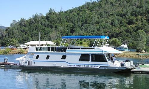 Houseboating on Lake Oroville