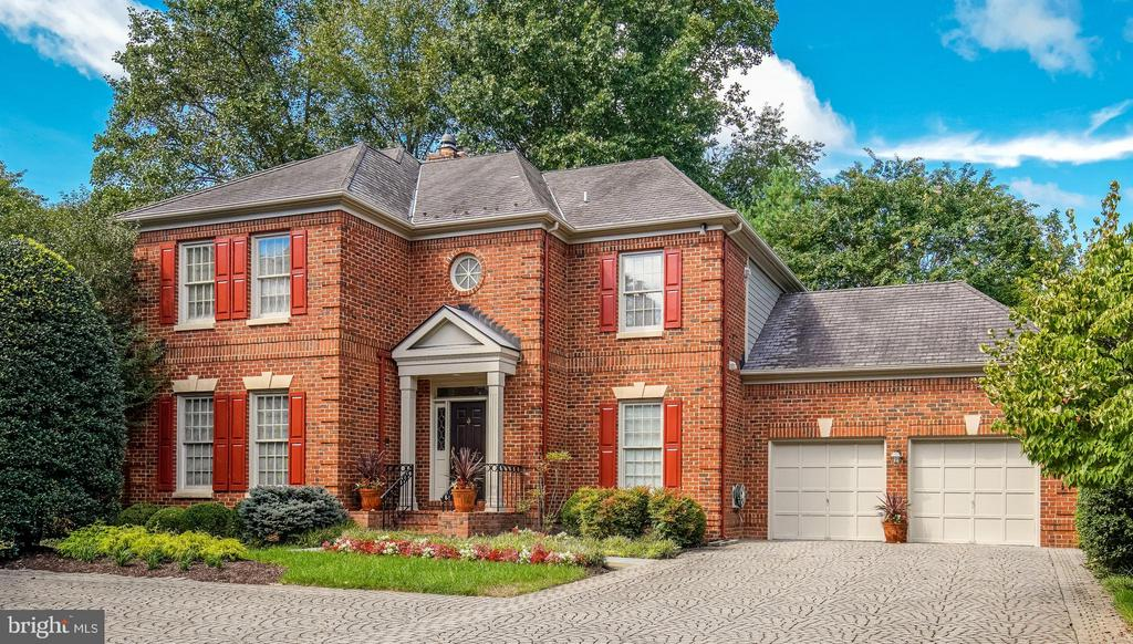 7906 SANDALFOOT DR