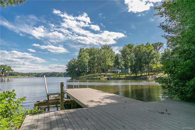 734 Lake Caroline DR