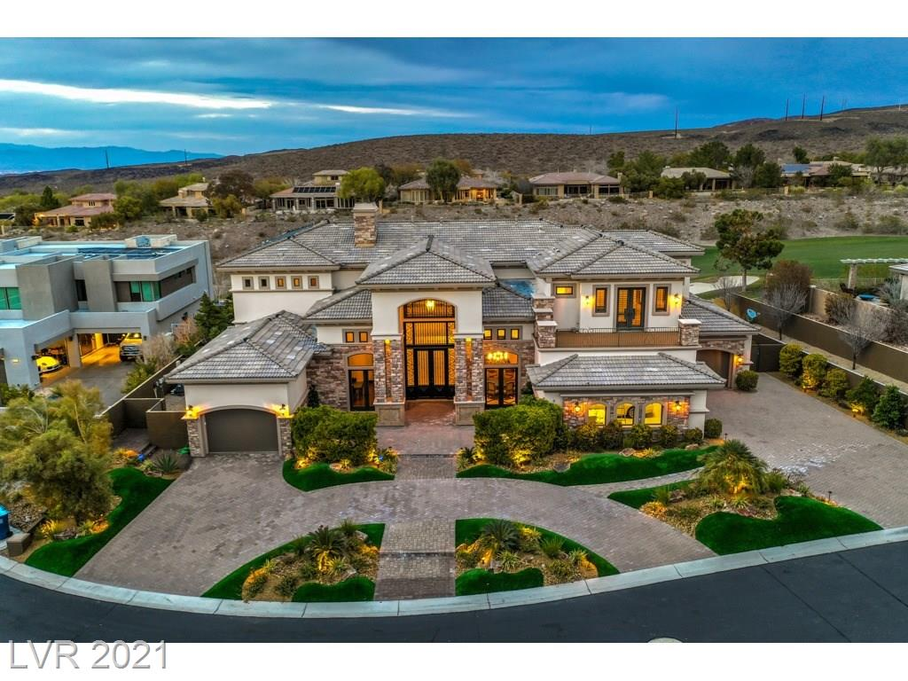 8 Paradise Valley CT