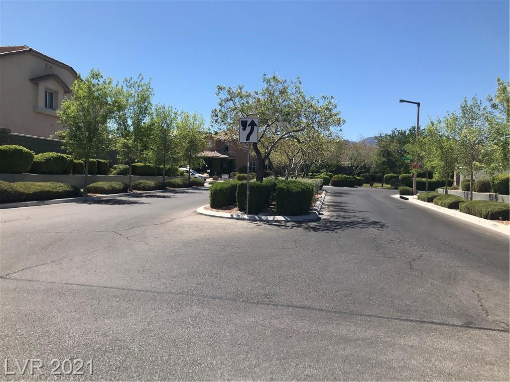 3318 Hillside Garden DR