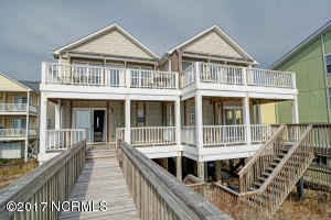 826 Topsail DR