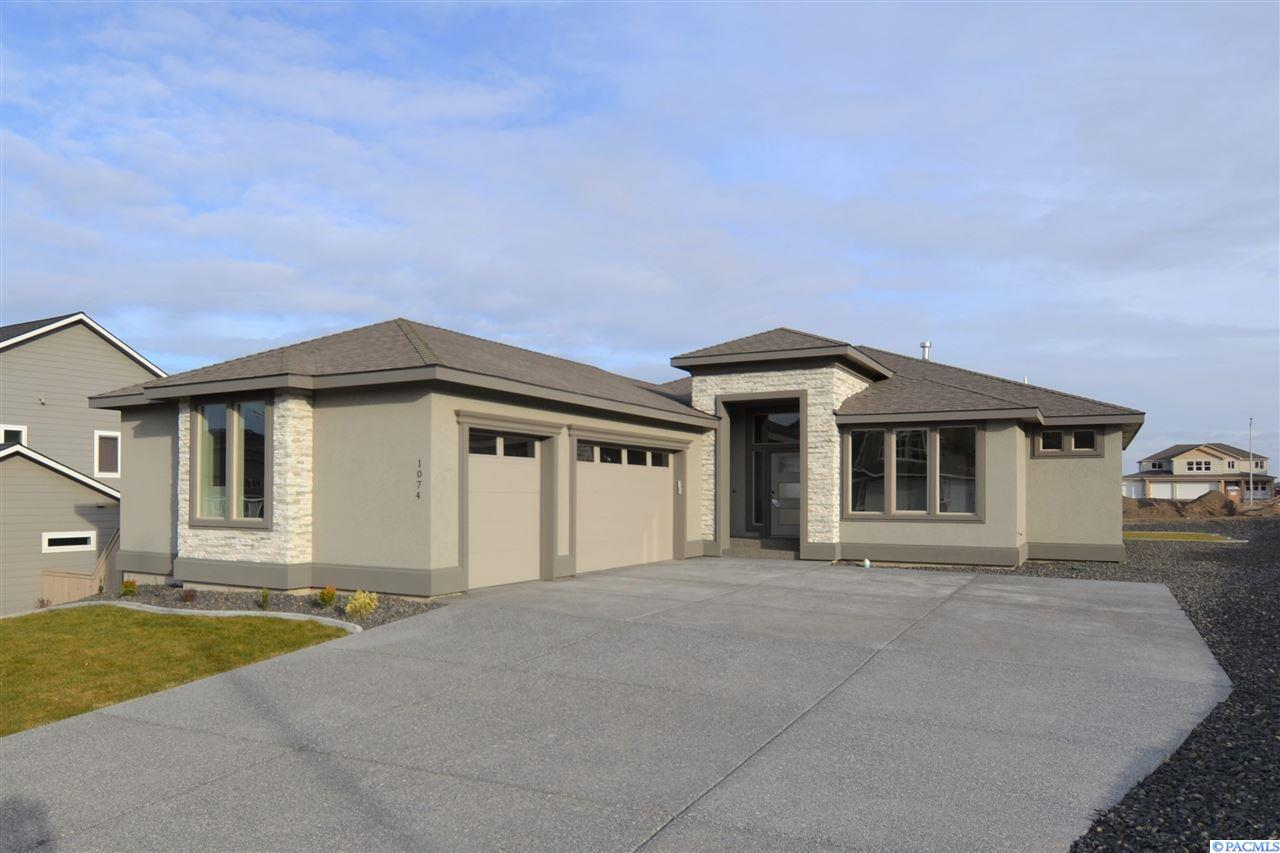 1074 Chinook Dr